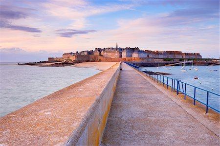 Saint-Malo, Ille-et-Vilaine, Bretagne, France Stock Photo - Rights-Managed, Code: 700-05803739