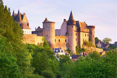 Chateau de Vitre, Vitre, Ille-et-Vilaine, Bretagne, France Stock Photo - Rights-Managed, Code: 700-05803741