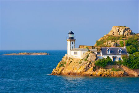 Lighthouse on Louet Island, Bay of Morlaix, Finistere, Bretagne, France Stock Photo - Rights-Managed, Code: 700-05803757