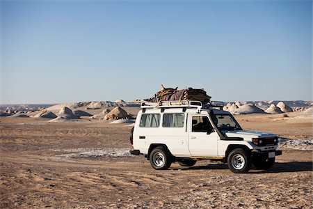 Jeep in White Desert, Western Desert, Egypt Stock Photo - Rights-Managed, Code: 700-05821776
