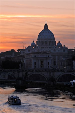 Saint Peter's Basilica at Sunset, Vatican, Rome, Lazio, Italy Stock Photo - Rights-Managed, Code: 700-05821959
