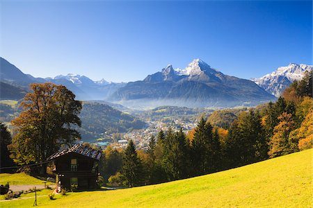 small town snow - House and Watzmann Mountain, Berchtesgaden, Bavaria, Germany Stock Photo - Rights-Managed, Code: 700-05837526