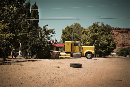 side view tractor trailer truck - Transport Truck and Tire, Fredonia, Coconino County, Arizona Stock Photo - Rights-Managed, Code: 700-05947662
