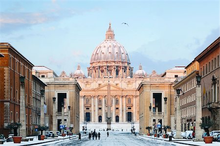 Via della Conciliazione and St Peter's Basilica in Winter, Rome, Lazio, Italy Stock Photo - Rights-Managed, Code: 700-05948127