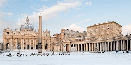 St Peter's Square and St Peter's Basilica in Winter, Vatican City, Rome, Lazio, Italy Stock Photo - Rights-Managed, Code: 700-05948128