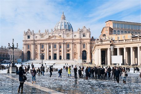 St Peter's Square and St Peter's Basilica in Winter, Vatican City, Rome, Lazio, Italy Stock Photo - Rights-Managed, Code: 700-05948130