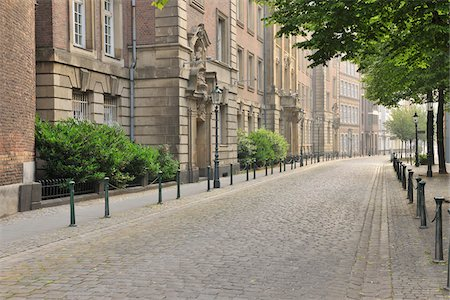 Street in Old Town, Dusseldorf, North Rhine Westphalia, Germany Stock Photo - Rights-Managed, Code: 700-05948183