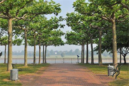 Rhine River Promenade, Dusseldorf, North Rhine Westphalia, Germany Stock Photo - Rights-Managed, Code: 700-05948192