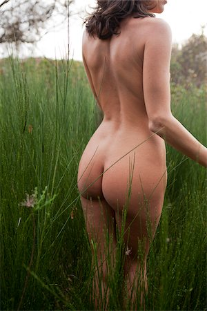 Nude Woman in Field Stock Photo - Rights-Managed, Code: 700-05974050