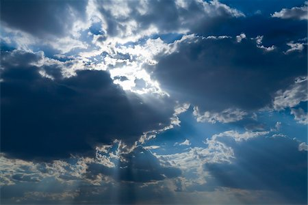 streaming - Sunrays Through Clouds Stock Photo - Rights-Managed, Code: 700-06144815