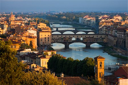 Bridges over Arno River, Florence, Tuscany, Italy Stock Photo - Rights-Managed, Code: 700-06334630