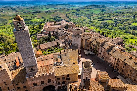 Overview of City and Countryside, San Gimignano, Siena Province, Tuscany, Italy Stock Photo - Rights-Managed, Code: 700-06367903