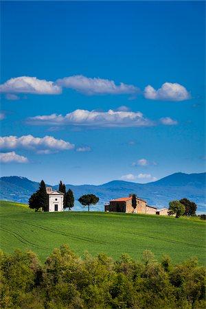 Church of Madonna di Vitaleta and Farmhouse, San Quirico d'Orcia, Province of Siena, Tuscany, Italy Stock Photo - Rights-Managed, Code: 700-06367947