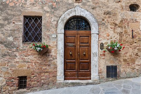 european hillside town - Door, Pienza, Tuscany, Italy Stock Photo - Rights-Managed, Code: 700-06367961