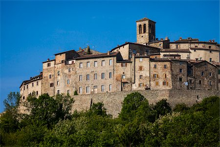 european hillside town - Low Angle View of Town, Anghiari, Tuscany, Italy Stock Photo - Rights-Managed, Code: 700-06368001