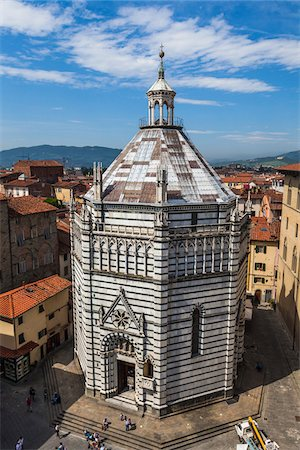 Baptistery in Piazza del Duomo, Pistoia, Tuscany, Italy Stock Photo - Rights-Managed, Code: 700-06368010