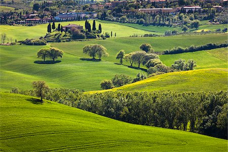 european hillside town - San Quirico d'Orcia, Siena, Tuscany, Italy Stock Photo - Rights-Managed, Code: 700-06368045