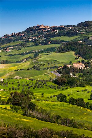 european hillside town - View of Volterra, Tuscany, Italy Stock Photo - Rights-Managed, Code: 700-06368128