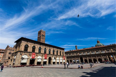Piazza Maggiore, Bologna, Emilia-Romagna, Italy Stock Photo - Rights-Managed, Code: 700-06368174