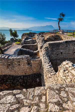 Grotte di Catullo, Sirmione, Lake Garda, Brescia, Lombardy, Italy Stock Photo - Rights-Managed, Code: 700-06368193