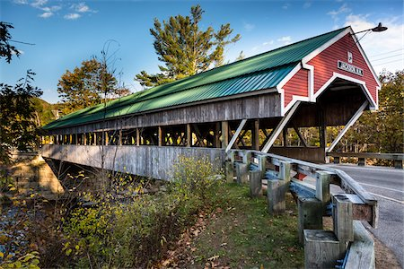 estructura - Covered Bridge, Jackson, Carroll County, New Hampshire, USA Foto de stock - Con derechos protegidos, Código: 700-06465696