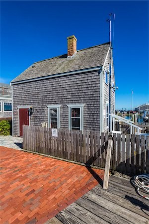 quaint house - Wood Shingle Cottage at Waterfront, Edgartown, Dukes County, Martha's Vineyard, Massachusetts, USA Stock Photo - Rights-Managed, Code: 700-06465781