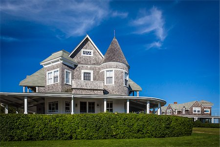 front - Large Wood Shingled House, Vineyard Haven, Tisbury, Martha's Vineyard, Massachusetts, USA Stock Photo - Rights-Managed, Code: 700-06465790