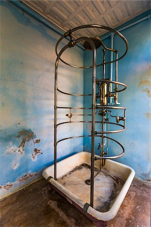 shower - Shower in Bathroom, Museo de Arquitectura Colonial, Trinidad, Cuba Stock Photo - Rights-Managed, Code: 700-06465963
