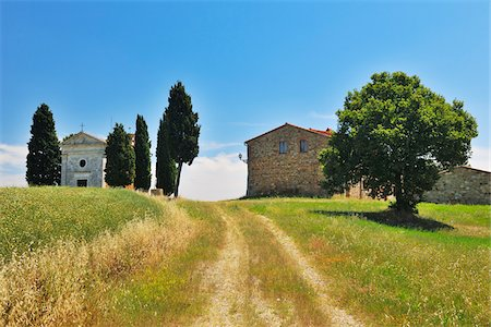 Path to Historic Chapel of Vitaleta and Farmhouse in Summer, San Quirico d'Orcia, Province of Siena, Tuscany, Italy Stock Photo - Rights-Managed, Code: 700-06512921