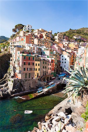 Clifftop village of Riomaggiore, Cinque Terre National Park, UNESCO World Heritage Site, Liguria, Italy Stock Photo - Rights-Managed, Code: 700-06531555