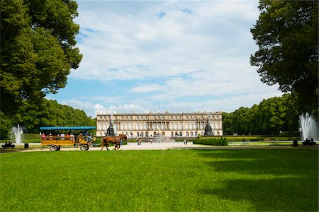 Horse-Drawn Carriage in Formal Garden in front of New Herrenworth Palace, Herrenchiemsee, Herreninsel, Chiemsee, Oberbayern, Bavaria, Germany Stock Photo - Rights-Managed, Code: 700-06531651