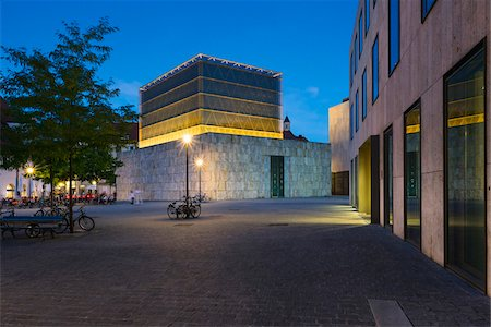 Ohel Jakob Synagogue in Sankt-Jakobs-Platz in the Evening, Munich, Oberbayern, Bavaria, Germany Stock Photo - Rights-Managed, Code: 700-06531682