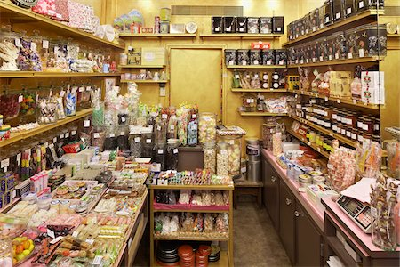 sweets - Assortment of candy and chocolates in shop, Le Chocolate par Michel Chaudun, Paris, France Stock Photo - Rights-Managed, Code: 700-06531928