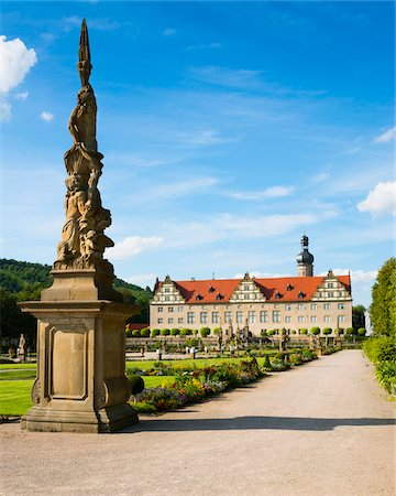 Statue and Formal Garden in front of Weikersheim Castle, Weikersheim, Baden-Wurttemberg, Germany Stock Photo - Rights-Managed, Code: 700-06553370