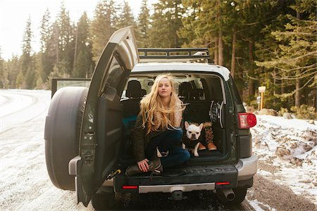 Portrait of Woman with her French Bulldog in the Back of an FJ Cruiser SUV on Mt. Hood, Oregon, USA Stock Photo - Rights-Managed, Code: 700-06674967