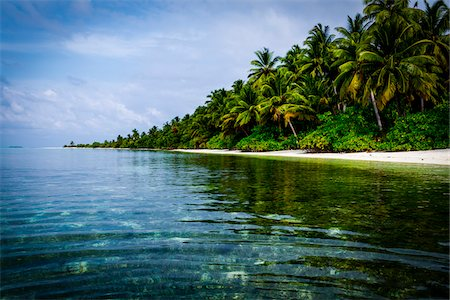 Tropical island and lagoon, Maldives, Indian Ocean Stock Photo - Rights-Managed, Code: 700-06685220
