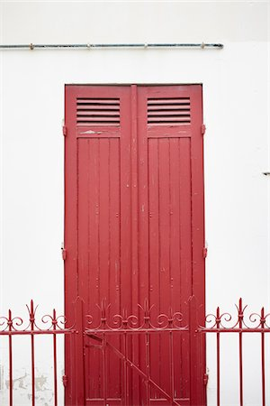 french - Close up of red door and fence, architecture detail, Arcachon, Gironde, Aquitaine, France Stock Photo - Rights-Managed, Code: 700-06701757