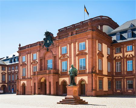 Germany, Baden-Warttemberg, Mannheim Palace (Mannheimer Schloss), the city castle and main building of the University of Mannheim Stock Photo - Rights-Managed, Code: 700-06752323
