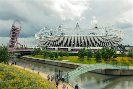 estructura - 2012 summer olympic stadium and ArcelorMittel Orbit art structure, stratford, london, UK Foto de stock - Con derechos protegidos, Código: 700-06773205