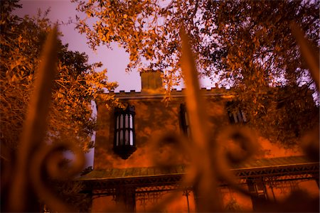 Green-Meldrim House illuminated by lightning, Savannah, Georgia, USA. During the Civil War, when union troops occupied Savannah, General Sherman stayed in this house until the end of the year. Stock Photo - Rights-Managed, Code: 700-06786909