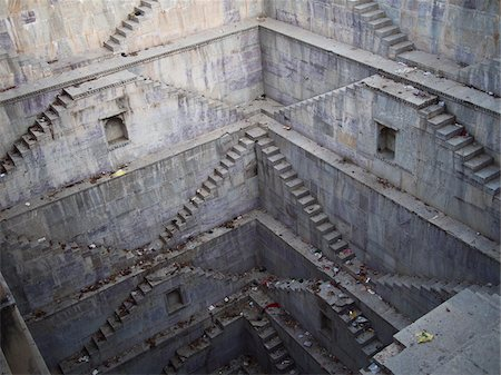 Twin Step Wells of Nagar Sagar water cistern in old town center, city of Bundi, India Stock Photo - Rights-Managed, Code: 700-06782153