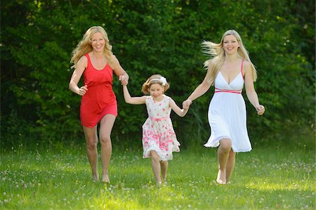 daughter middle-aged mother women young adults - Woman with her daughter and her mother in summer, Bavaria, Germany. Stock Photo - Rights-Managed, Code: 700-06939627