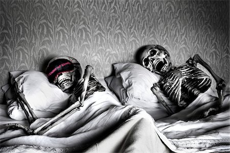 dead woman - Skeleton Couple Sleeping in Bed Stock Photo - Rights-Managed, Code: 700-07148325