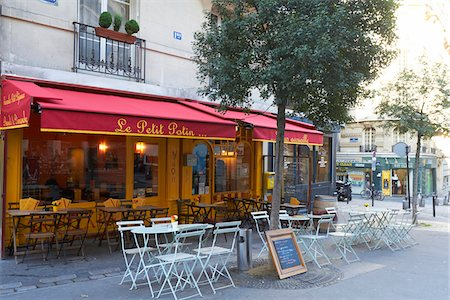 Outdoor Cafe and street scene, Montmartre, Paris, France Stock Photo - Rights-Managed, Code: 700-07165055