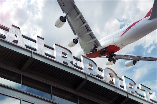 Jumbo Jet Landing at Newark International Airport, New Jersey, USA Stock Photo - Premium Rights-Managed, Artist: Andrew Kolb, Image code: 700-07199811