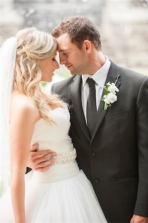 Portrait of Bride and Groom Outdoors, Toronto, Ontario, Canada Stock Photo - Rights-Managed, Code: 700-07204159