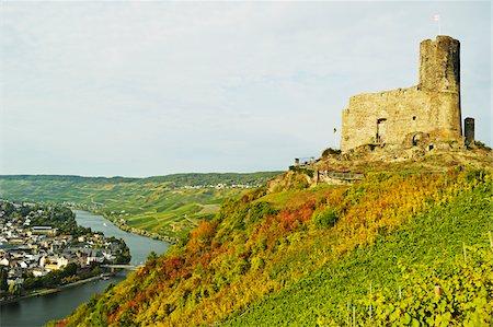 Landshut Castle Ruins, Bernkastel-Kues and Moselle River, Rhineland-Palatinate, Germany Stock Photo - Rights-Managed, Code: 700-07202698