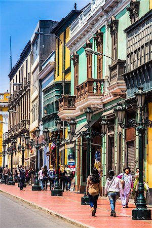 People walking along historical Carabaya Street in downtown Lima, Peru Fotografie stock - Rights-Managed, Codice: 700-07279062