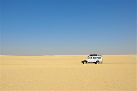 Four Wheel Drive Car in Desert, Matruh Governorate, Libyan Desert, Sahara Desert, Egypt, Africa Stock Photo - Rights-Managed, Code: 700-07279257