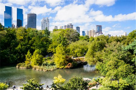 View of Gapstow Bridge with highrise buildings in background, Central Park, Midtown Manhattan, New York City, New York, USA Stockbilder - Lizenzpflichtiges, Bildnummer: 700-07310892